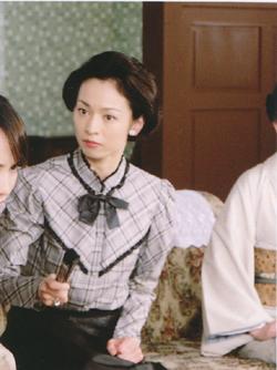 幼少期からテレビと深く関わってきた元雪組トップ娘役鮎ゆうきさんの女優人生