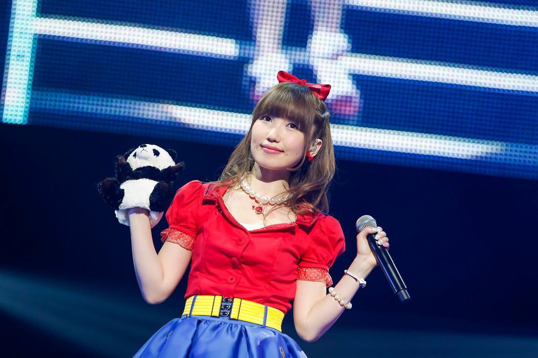 天使の微笑み!内田彩のライブはみんなでつくりあげる愛がいっぱいのステージ!