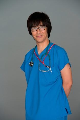 お笑いトリオ東京03の豊本明長が金曜ドラマ『コウノドリ』に出演!
