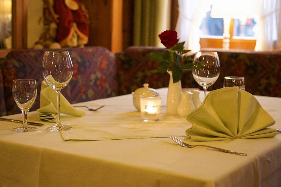 restaurant-727992_960_720