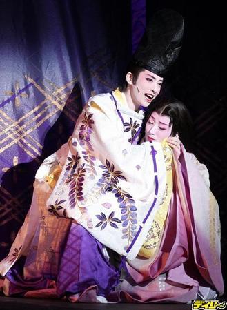 花組の再演が見事にハマった『新源氏物語』の最新観劇レポ