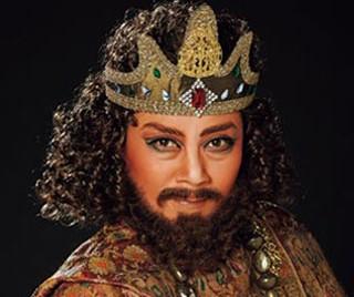 宝塚歌劇団専科に所属する一樹千尋さんのこれまでを振り返ろう!
