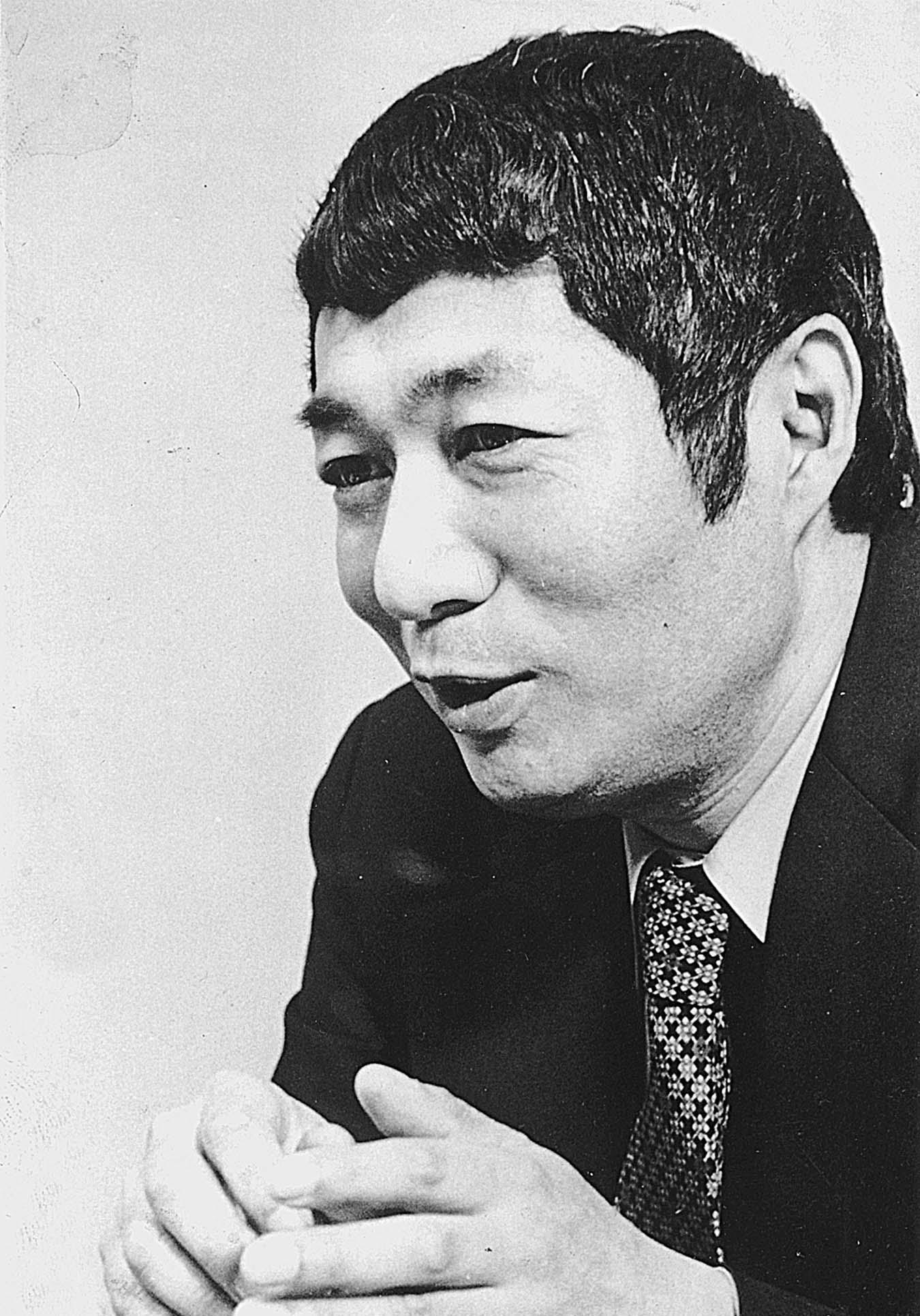 日本の芸術を変えたとまで評された天才・寺山修司とはどんな人?