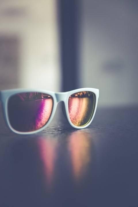 sunglasses-1513896_960_720