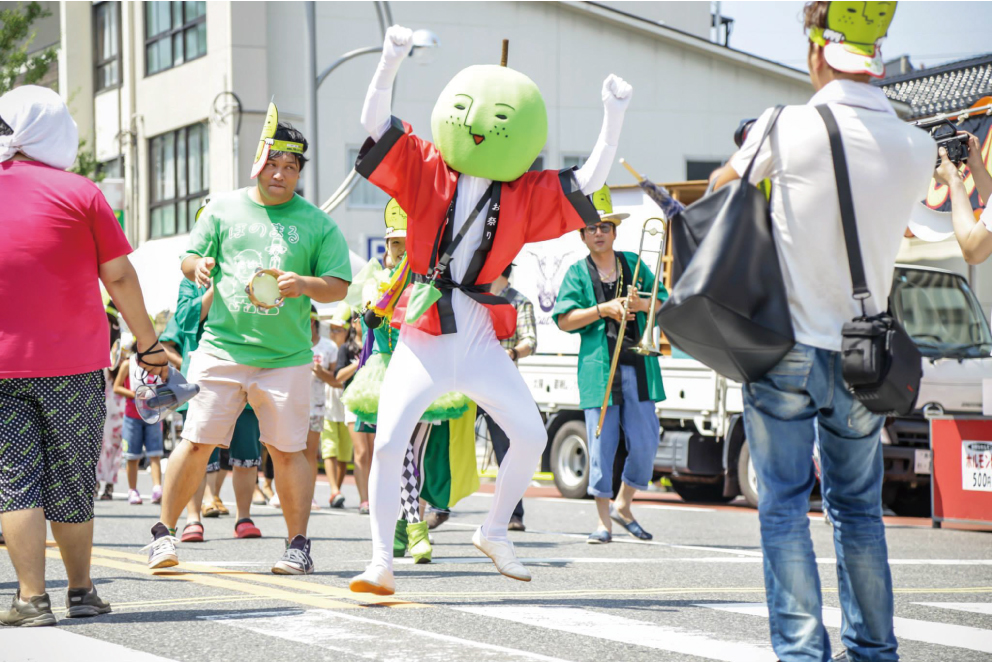 仮面女子も仲間に?!鳥取県ご当地キャラ「二十世紀☆梨男」の侵略は既に始まっている…