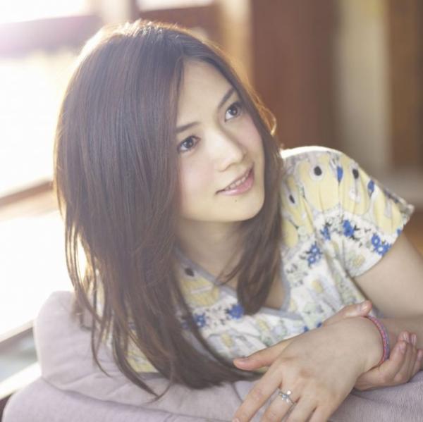 女性のシンガーソングライターが最近増えてる・・!一番人気な歌手は誰?