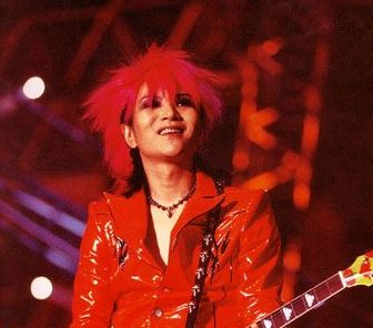 トレードマークは「赤」!赤髪・赤が似合うヴィジュアル系バンドマンをまとめてみた!