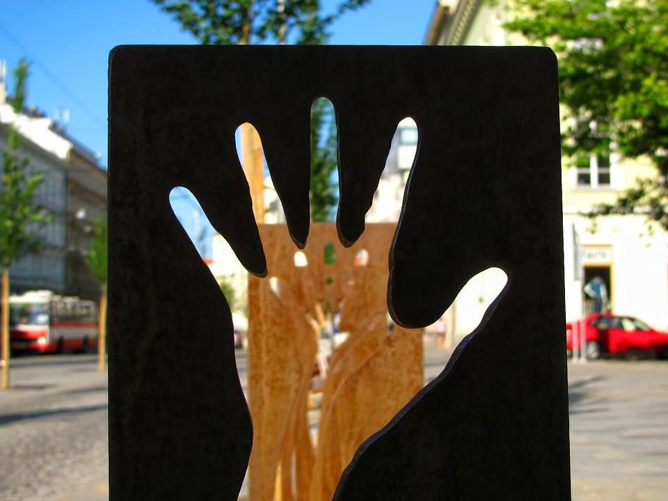 fingers-229045_960_720