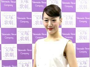 退団が惜しまれる花組トップ娘役・花乃まりあ これまでの活躍を振り返る