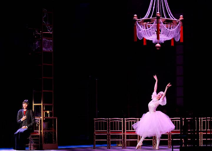 トップスターを輝かせる究極の娘役力。宝塚歴代トップ娘役の中でも、ダンスが上手い5名を紹介