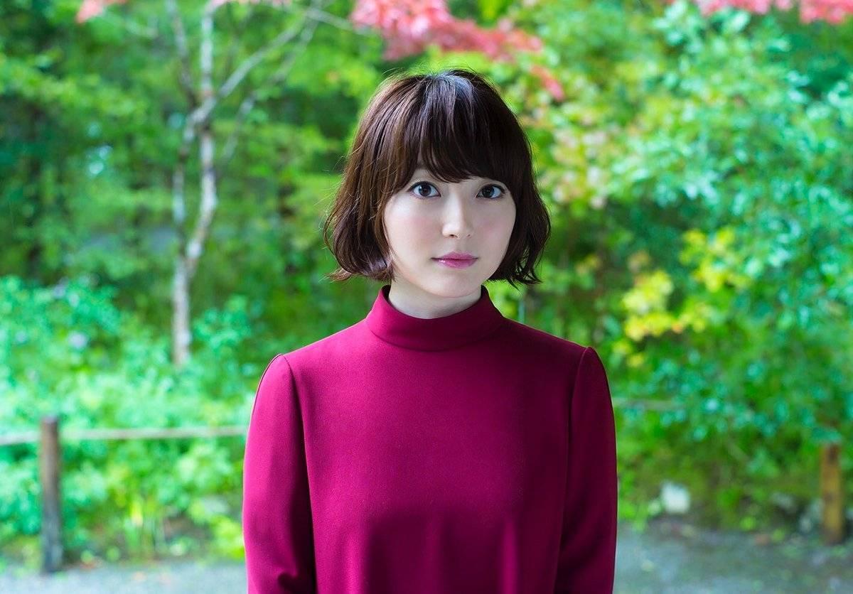 女性声優ランキング4年連続1位!花澤香菜の愛される理由とは?